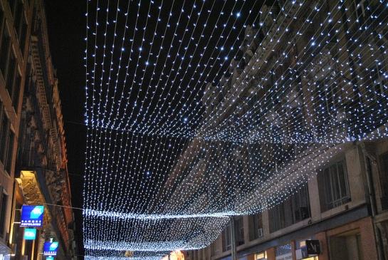 Rue d'Alsace, c'est un nappage lumineux.